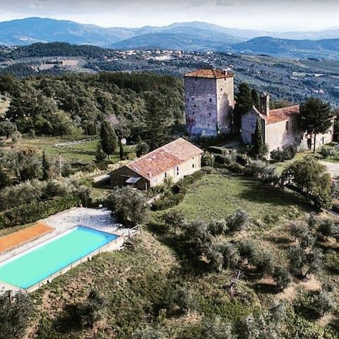 Family Holiday in a Tuscan Castle