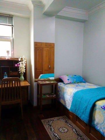 Homestay Condominium Room 2 - Yangon - Apartment