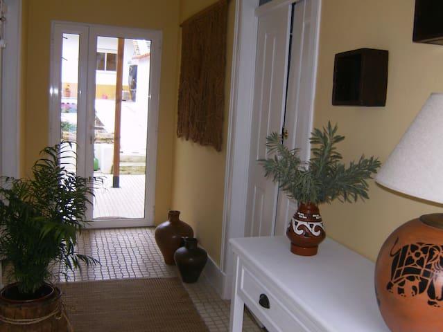 Quarto com w.c privado na Casa da Roseira - Famalicão - Dom