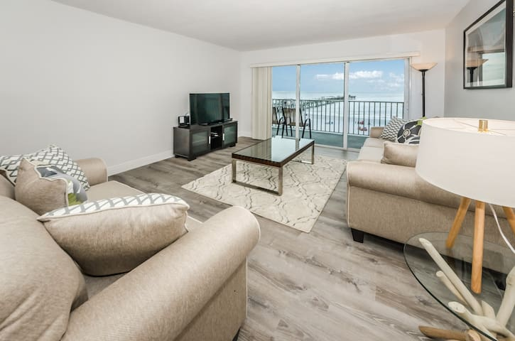 Completely Renovated Direct Sea View Apartment.