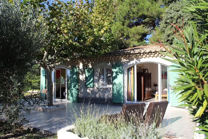 Les BAUX de Provence, happiness and tranquility