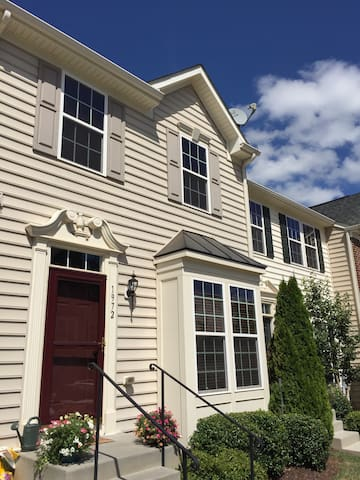 Brand NEW Private One Bedroom - Pantops Townhouse - Charlottesville - House