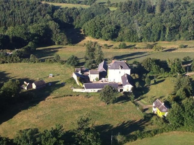 La Prade Haute - Najac - Bed & Breakfast