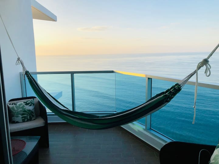 DISPONIBLE YA!! Stunning 2 bed beachfront oasis