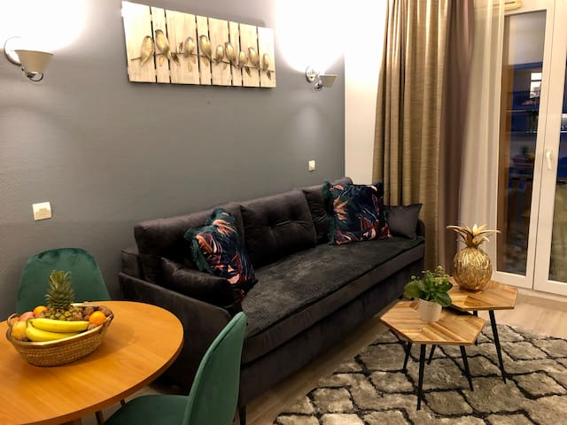 A charming flat close to La Defense and to Paris