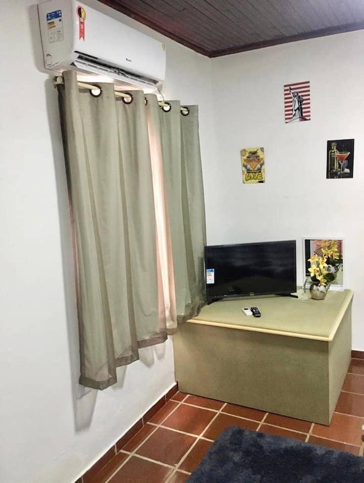 Quarto casal + Beliche Próx. ao Centro e Paraguai