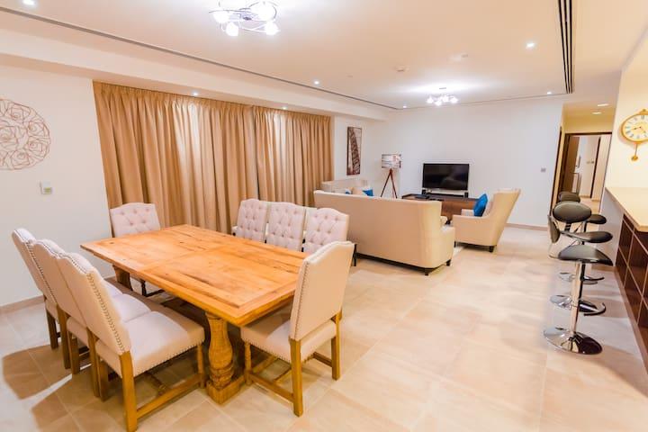 Large 3 Bedroom Apt. in Rimal 4 JBR Next to Beach - Dubai - Apartment