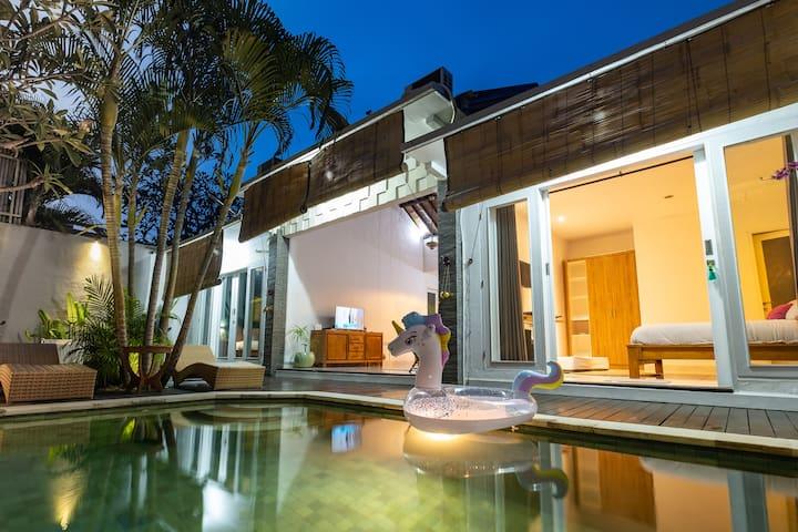 NEW!Villa Gili Aya, 2BR-private Pool, Near beaches