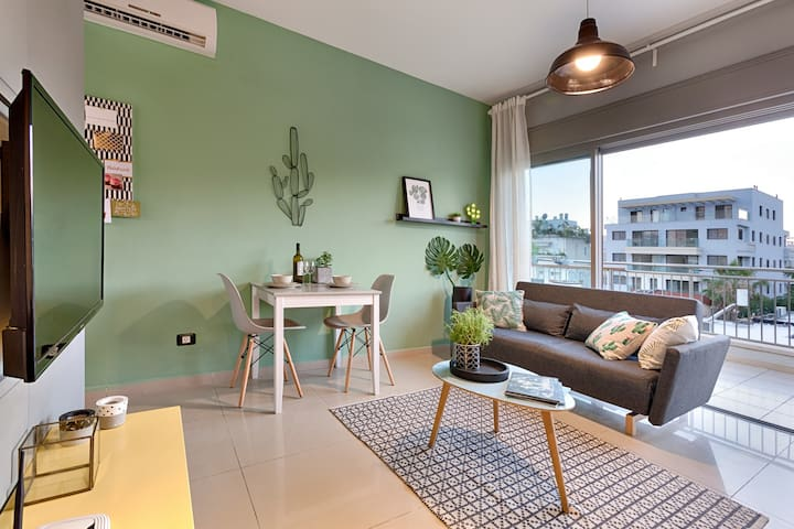 Mini Penthouse huge terrace inner city collection