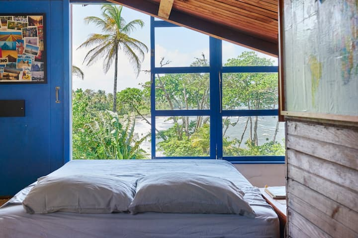 SEMI-PRIVATE SPACE - Caribbean Beachfront Loft
