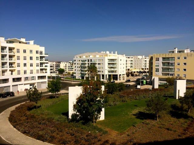 Charming apartment in Oeiras Forum. - Oeiras - Lägenhet