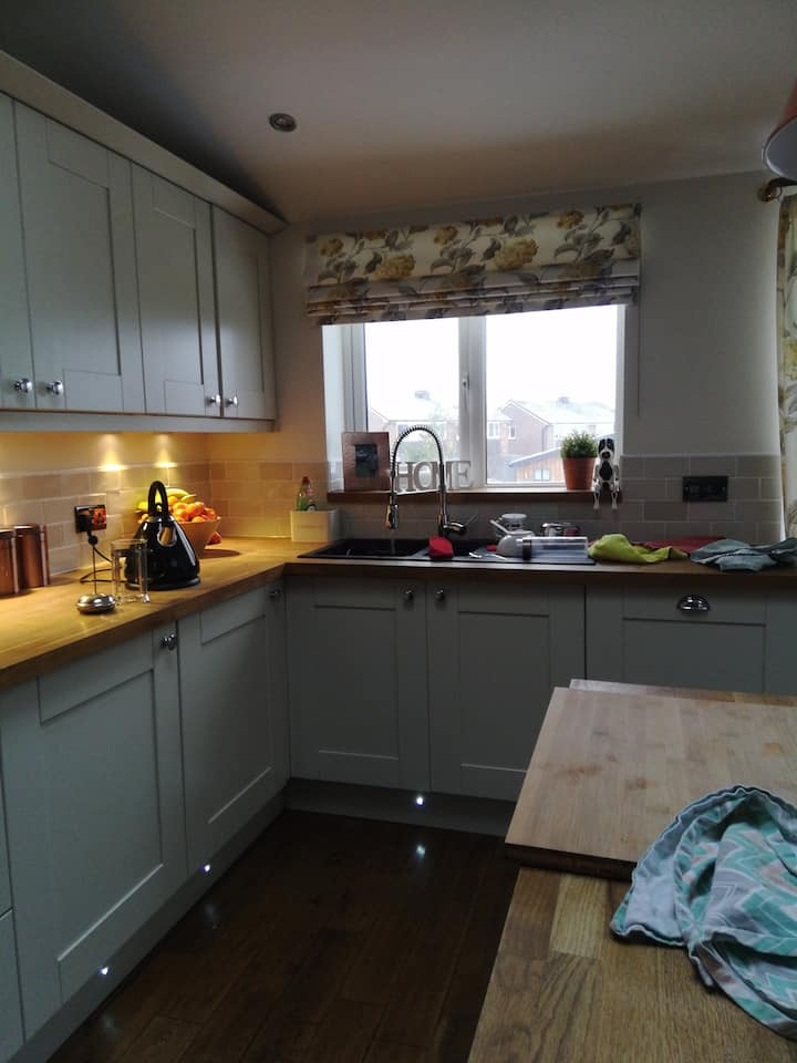Double room to rent from February onwards