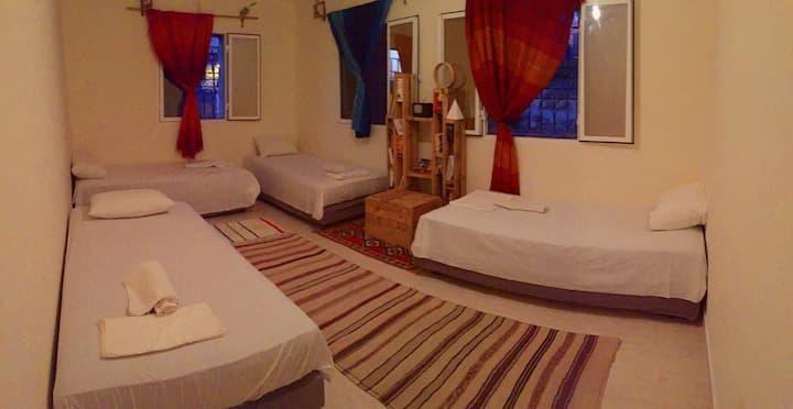 Lit dans un dortoir à 4 lits AGACHILL SURF HOUSE