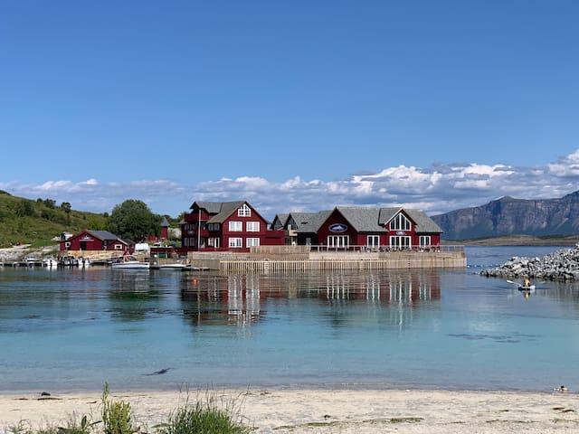 ARNØY BRYGGE - RORBU - Fishing Lodge