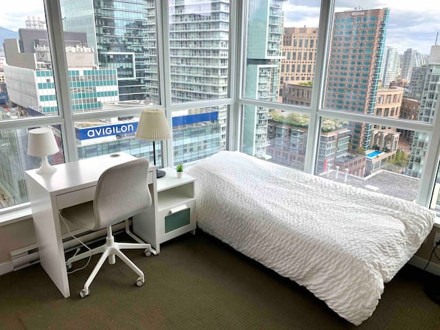 Bright Room in Heart of Downtown with Great View!