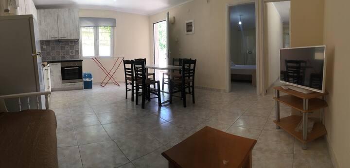 Epavli House