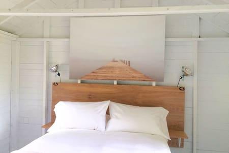 Classic Maine Summer Cabin - Lincolnville - Blockhütte