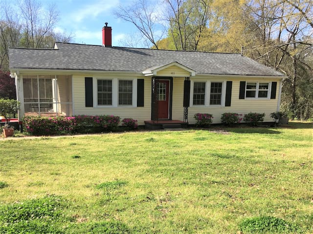 Charming house in Senoia and The Walking Dead