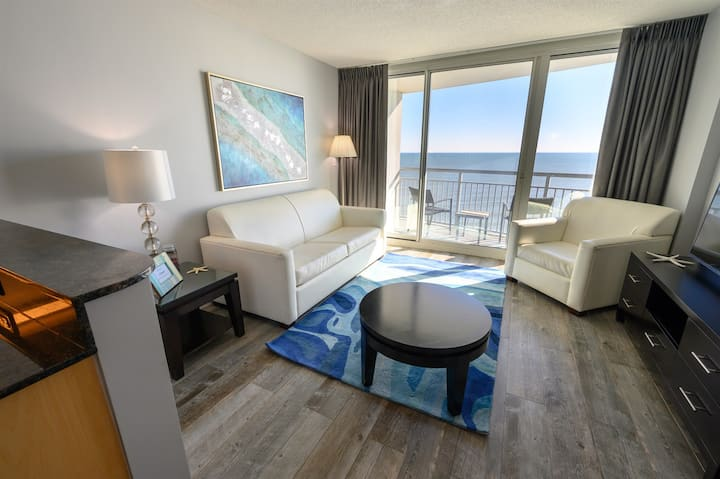 ⭐Remodeled Direct Oceanfront! Amazing Views Modern