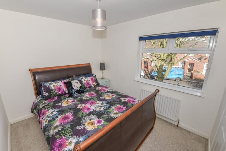 Cosy Pet Friendly Home in East Belfast