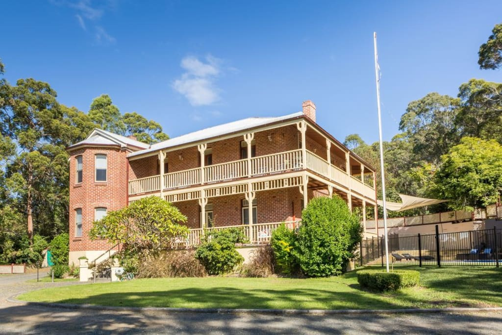 Palmyra B&B - guests can enjoy shared common areas such as a kitchen, dining room, loungeroom, 2x luxurious bathrooms with separate toilets, pool area with BBQ facilities, balconies and grassed flat areas perfect for a game with the family.
