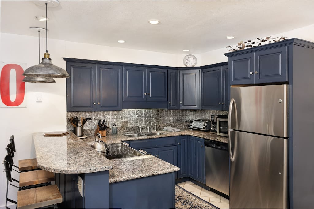 A fully equipped kitchen to make you feel right at home.