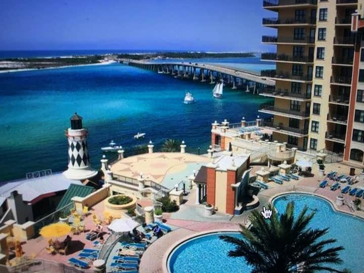 Great 3 bedroom at Emerald Grand, pool/ocean view