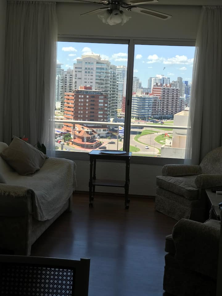 Unbeatable location - Cozy condo- Punta del Este