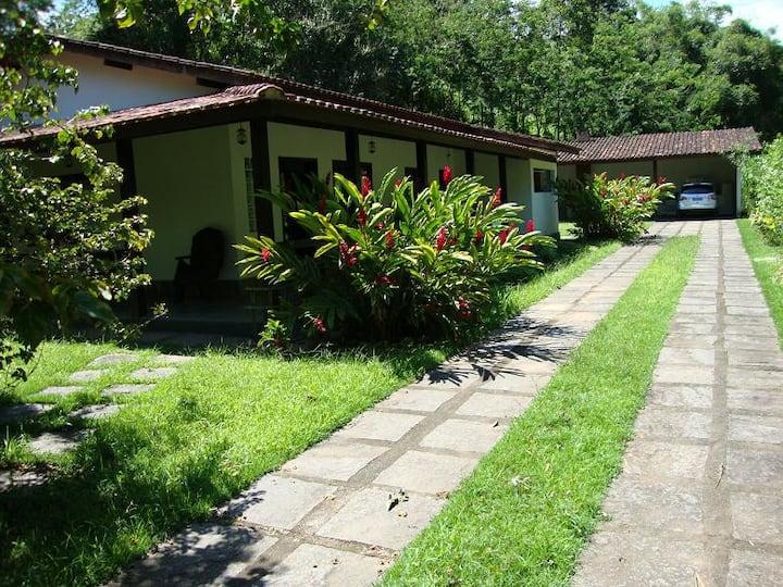 Alugo casa em Penedo-RJ (1a. rua após a entrada)