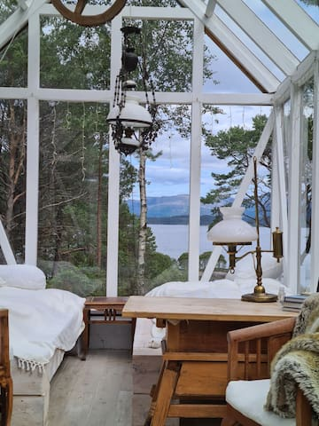 Glamping: glasshouse on norwegian Island