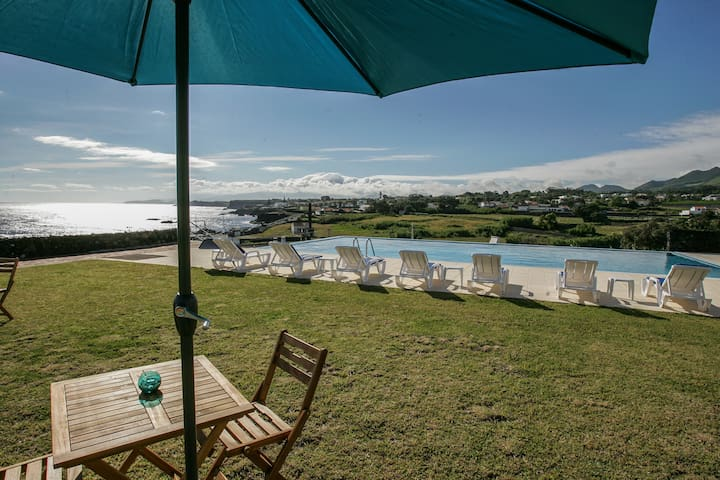 Charming B&B - View for 2 at Ponta Delgada - Azores - Bed & Breakfast