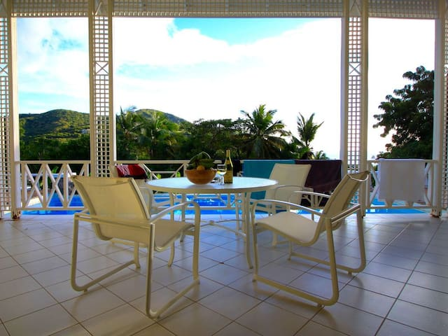 Beautiful 2BR Villa and Guesthouse