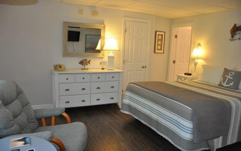 Deluxe Queen Room with Gardern View