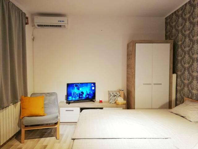 Obor Privat Studio and yard