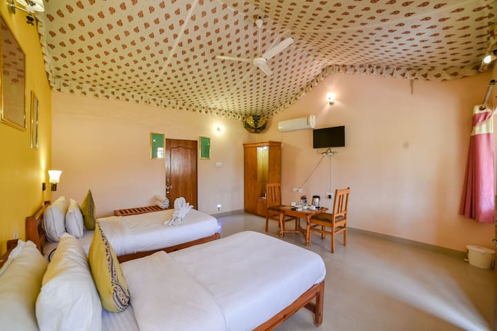Beautiful Deluxe Twin Bed Cottage in Pushkar