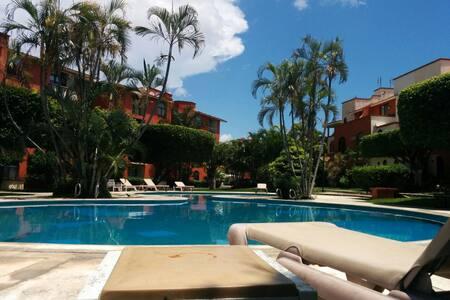 Aquafueled Private RM#3  w/pool, A/C, HISPEED WiFi - Cancún - Huis