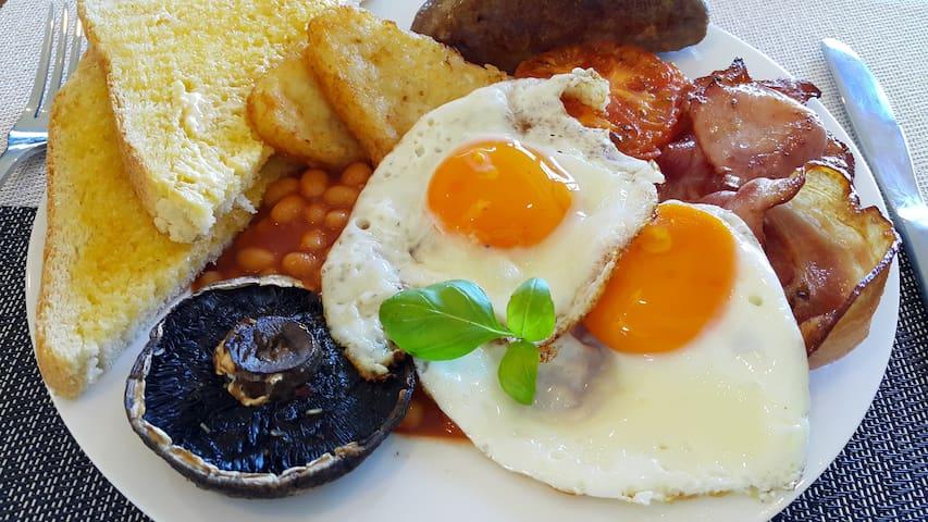 Kiwi Room King Bed En-Suite Deck - Kinleith - Bed & Breakfast
