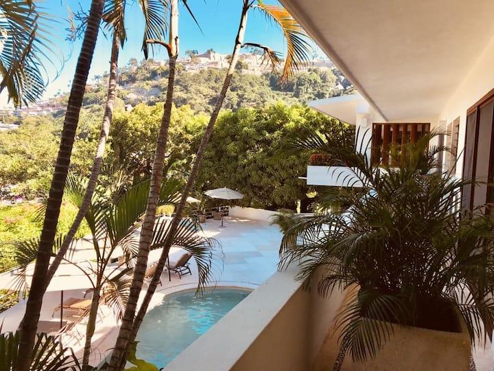 SUNNY Acapulco!