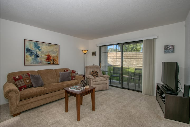 K0481 - Mesquite Del Prado - Mesquite CC Condo, Lush Grounds, Private Patio, Multiple Pools and Spas