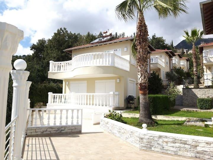 Private Luxury VILLA,terrace, pool, sea view! WIFI