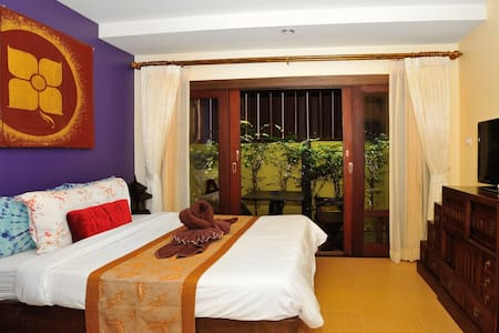 Ben's guesthouse (right on main road) - room 102 - Ko Samui
