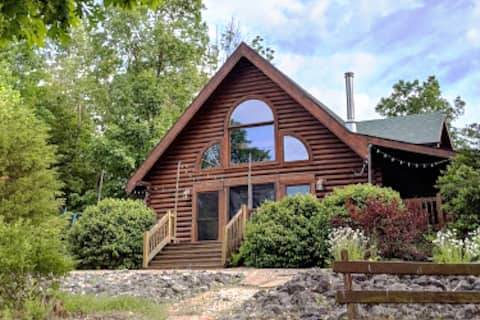 Oak Valley Acres secluded retreat