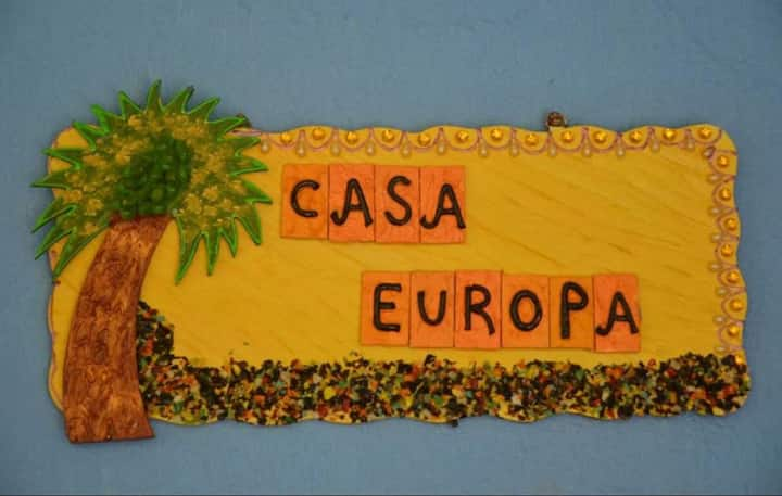 Casa Europa - Villa with Pool and 2 mts beach walk