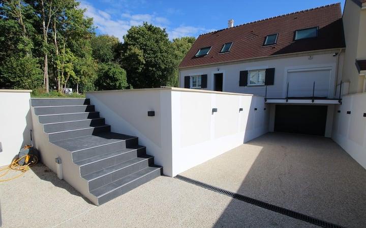 Villa avec Jacuzzi&Grand Jardin à 30min de Paris.