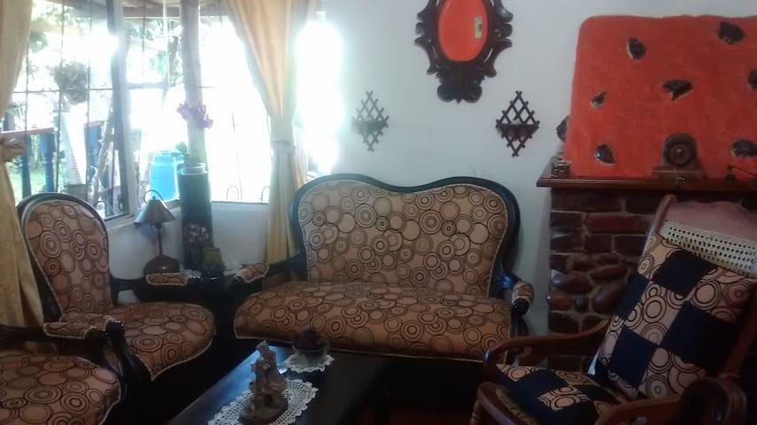 Cómoda habitación en  Chia - Chía - House
