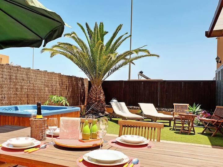 Villa con  Jacuzzi a 3km de la playa