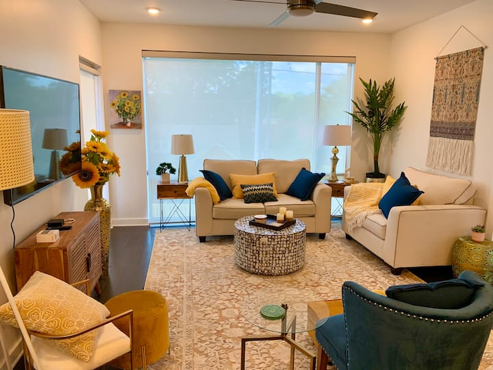 Luxury extended stay condo for professionals
