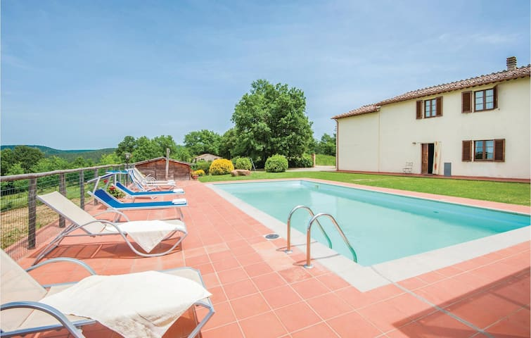 Holiday cottage with 7 bedrooms on 240m² in Monticiano SI