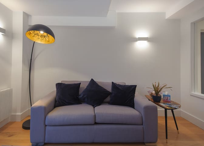 LUXURIOUS 2 bed Penthouse - 3 minutes from Castle
