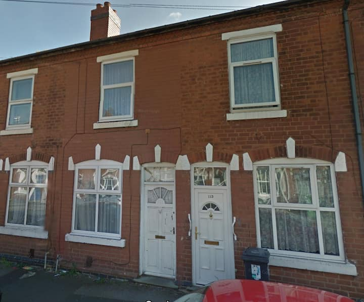 Double Room  in Walsall with (Fibre Broadband+TV)
